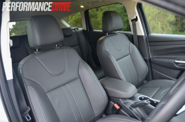 2013 Ford Kuga Titanium front seats