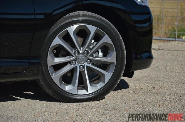2013 Honda Accord V6L 18in wheels