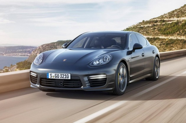 2014 Porsche Panamera Turbo S-driving