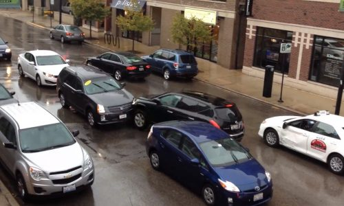 Video: Stolen SUV in Chicago plays pinball with other cars