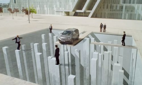 Clever Honda CR-V ad; impossible made possible