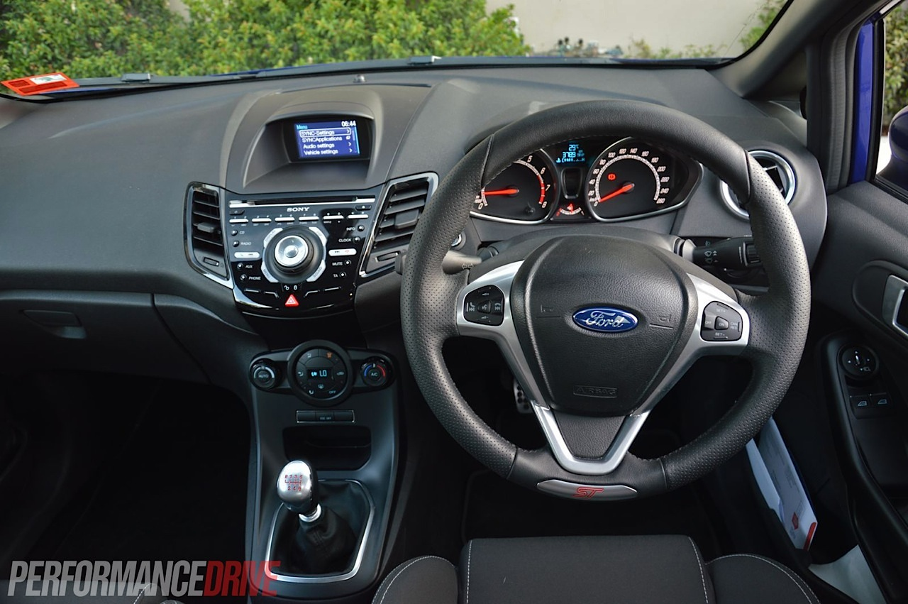 2013 Ford Fiesta ST review (video) | PerformanceDrive