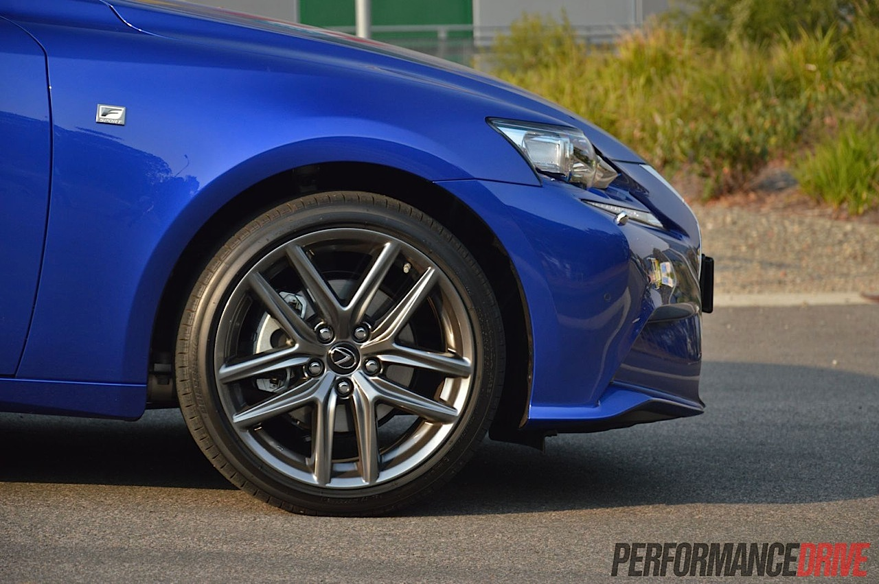 2013 Lexus IS 300h review (video) | PerformanceDrive