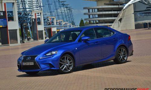 2013 Lexus IS 300h review (video)