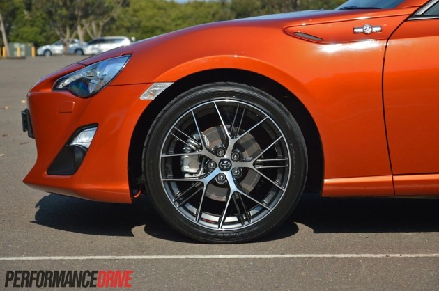 2013 Toyota 86 GTS front brakes