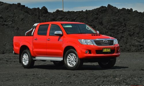 2013 Toyota HiLux SR5 review