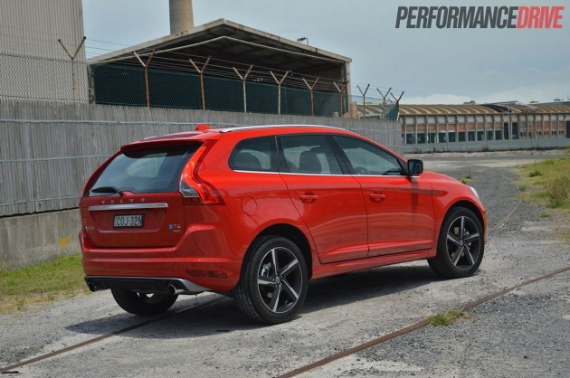 2014 Volvo XC60 T6 R-Design rear