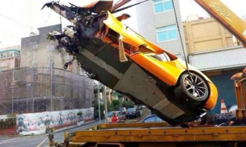 High-speed McLaren 12C crash, driver lucky to be alive