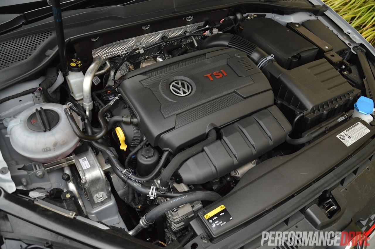 2014 Volkswagen Golf GTI Mk7 review (video) | PerformanceDrive