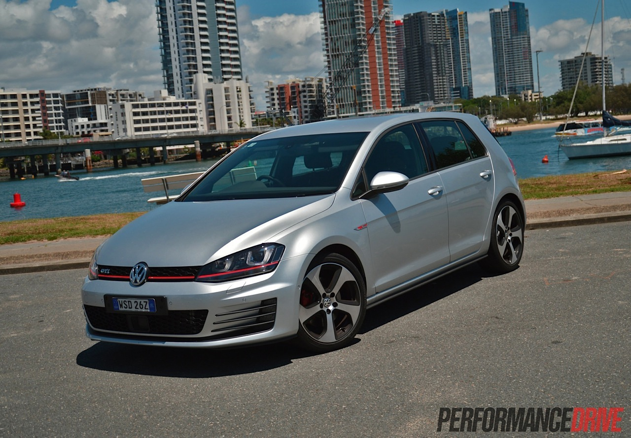 2014 volkswagen golf gti mk7 review video performancedrive. Black Bedroom Furniture Sets. Home Design Ideas
