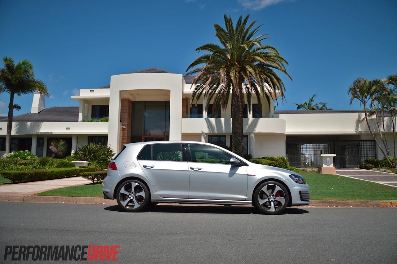 2014 Volkswagen Golf Gti Mk7 Review Video Performancedrive