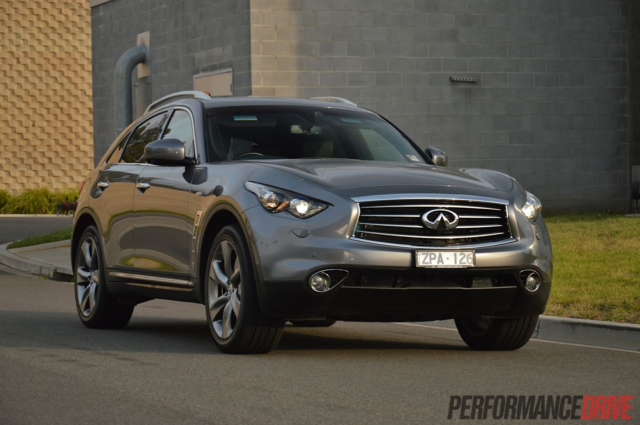 Infiniti FX37 S Premium review (video) | PerformanceDrive