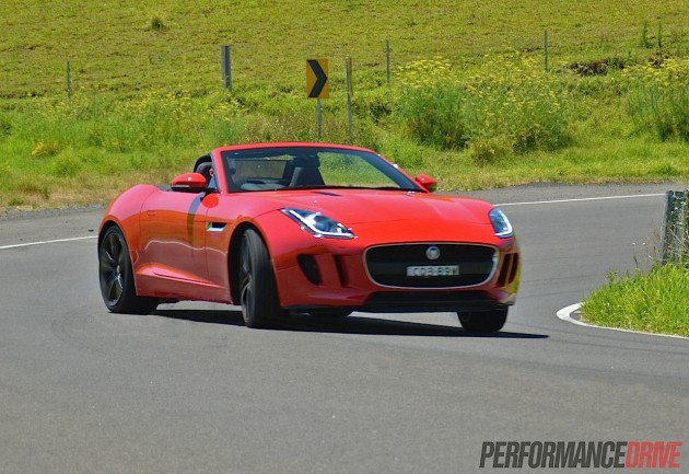 2014 Jaguar F-Type V6 drift