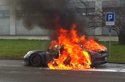 991 Porsche 911 GT3-fire