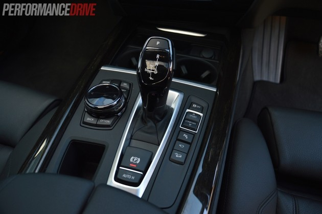 2014 BMW X5 xDrive50i-centre console