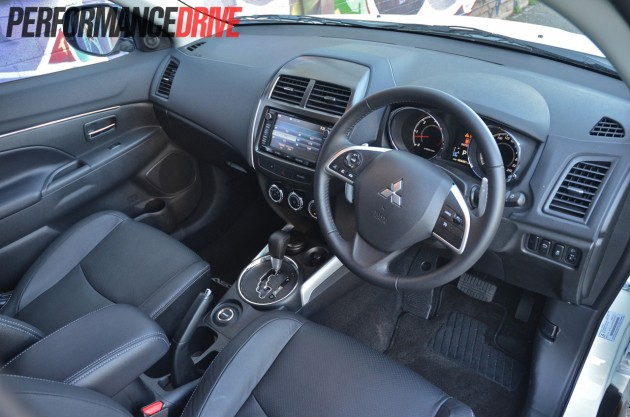 2014 Mitsubishi ASX Aspire AWD DiD dash interior
