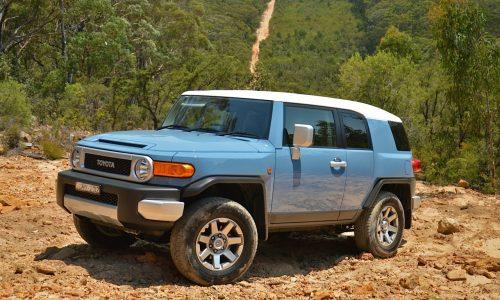 2014 Toyota FJ Cruiser review (video)