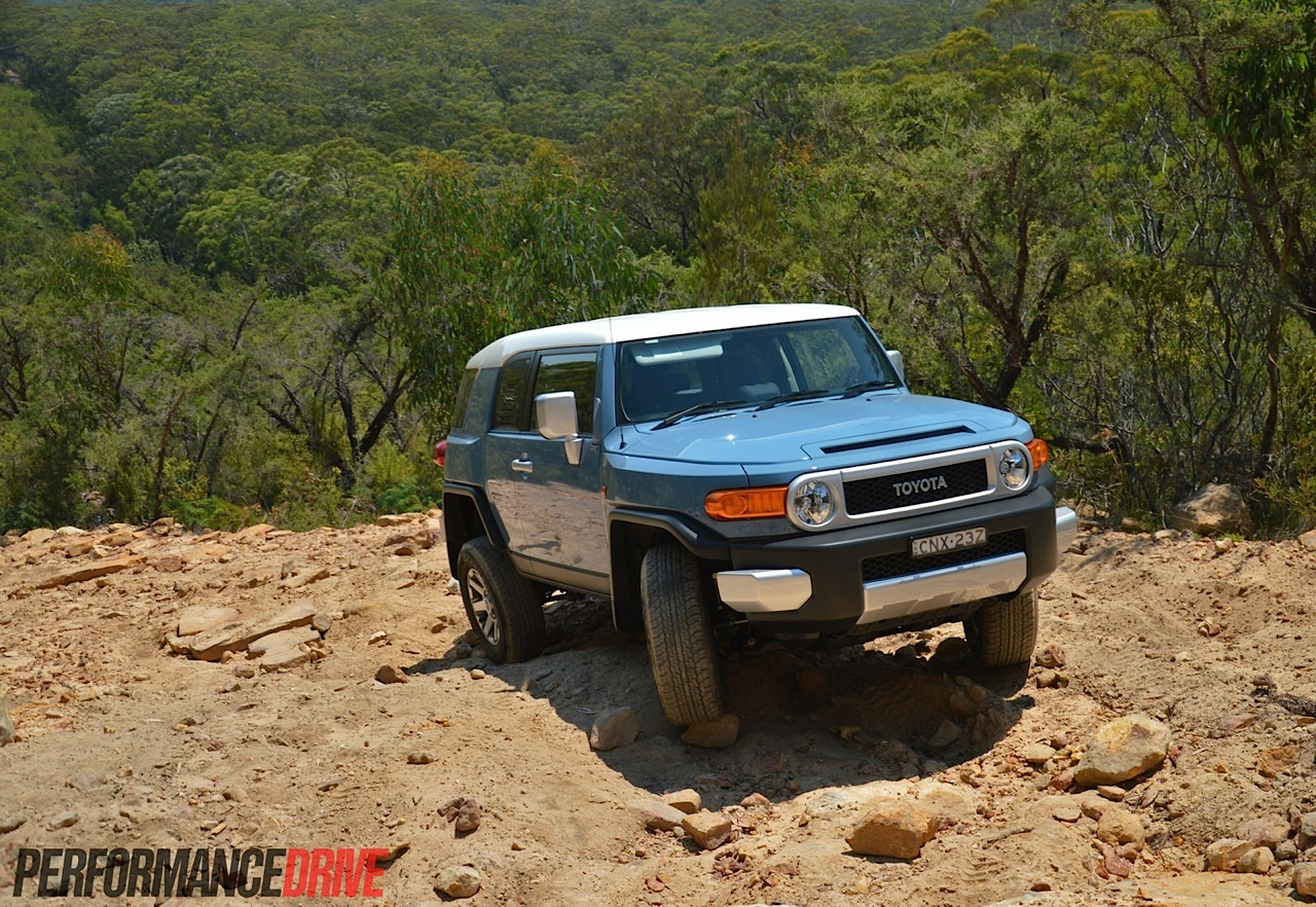 Diesel Jeep Wrangler >> 2014 Toyota FJ Cruiser review (video) | PerformanceDrive