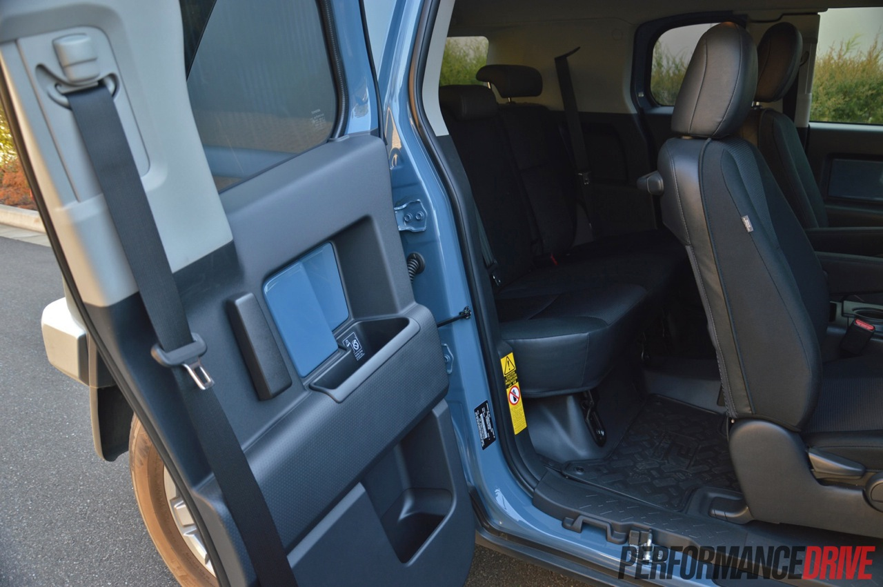 Toyota Fj Cruiser Rear Door on Toyota 3 5l Engine