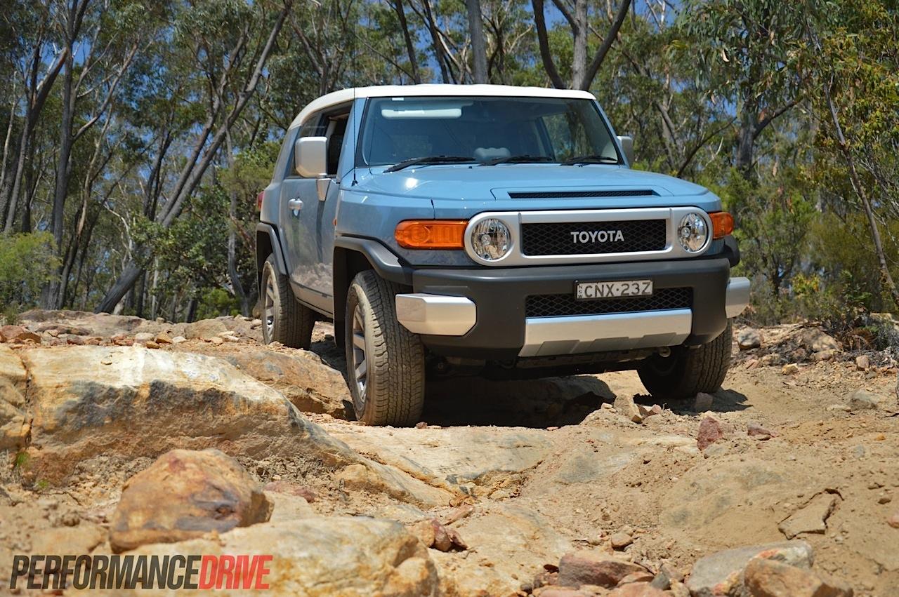 2014 Jeep Wrangler Unlimited Rubicon >> 2014 Toyota FJ Cruiser review (video) | PerformanceDrive