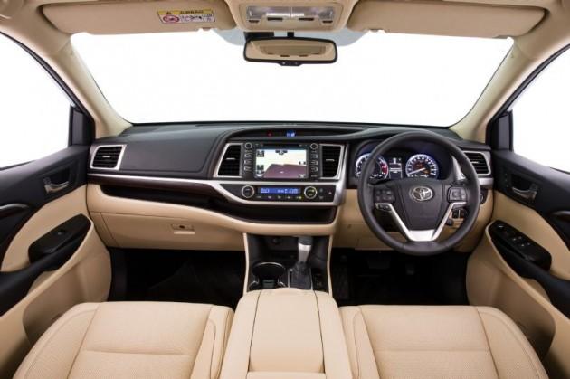 2014 Toyota Kluger Grande interior