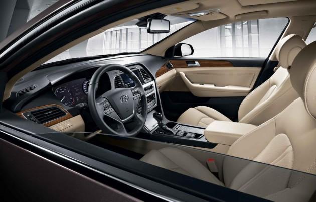 2015 Hyundai Sonata steering wheel