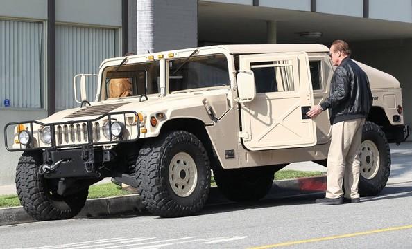 Arnold Schwarzenegger AM General Hummer-1