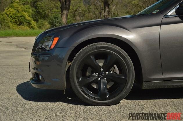 2014 Chrysler 300S-20in black wheels