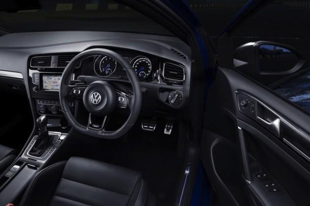 2014 Volkswagen Golf R interior
