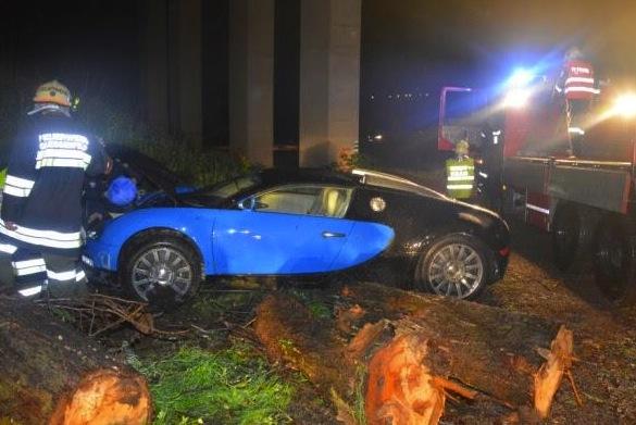 Bugatti Veyron crash Austria-logs