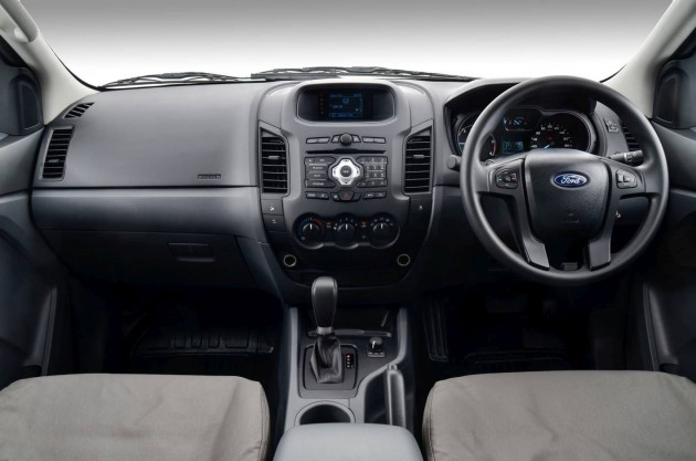 Ford Ranger 4x4 XL Plus cabin