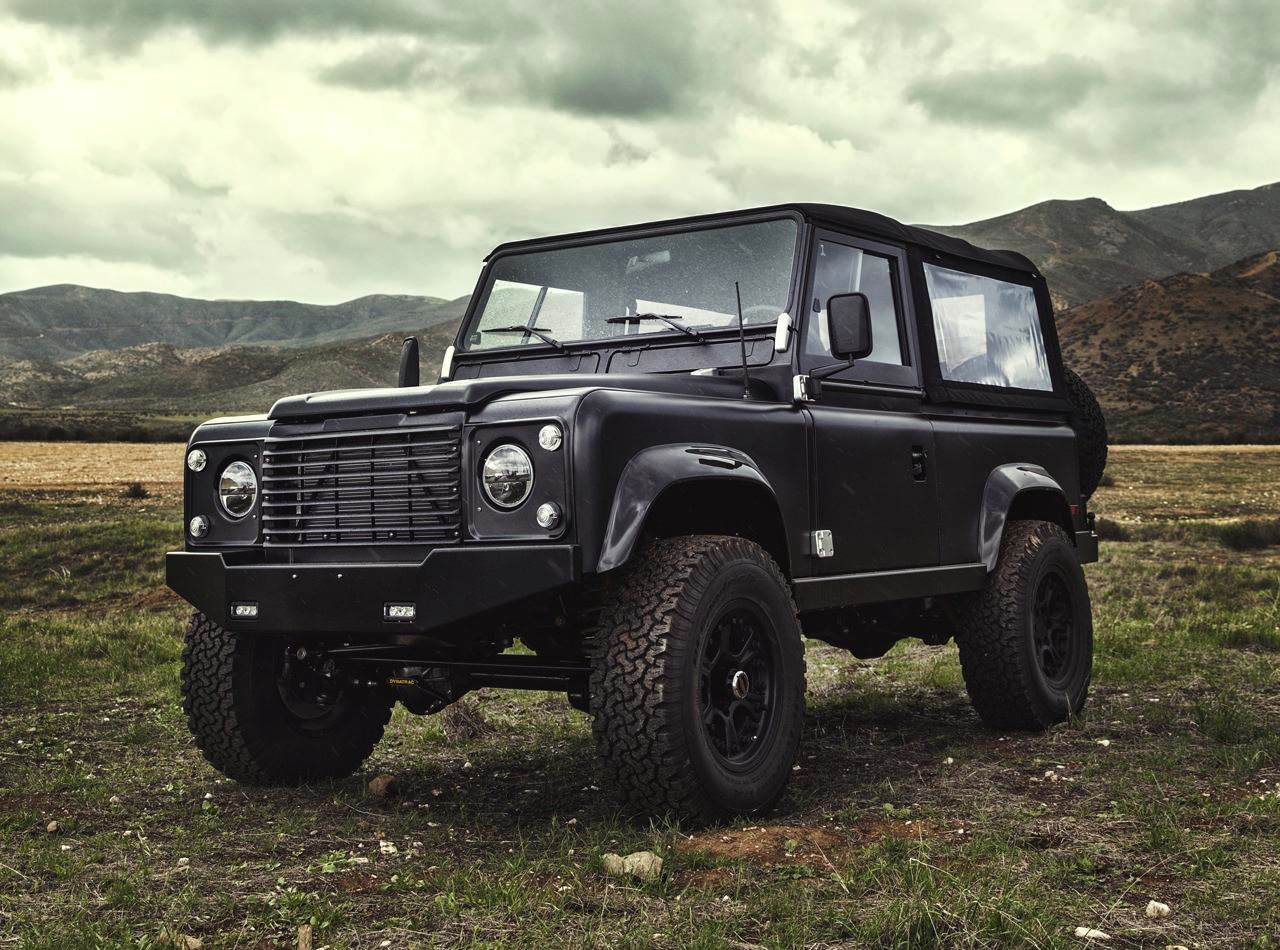 Icon Land Rover Defender 90, with 6 2 Chev V8 | PerformanceDrive