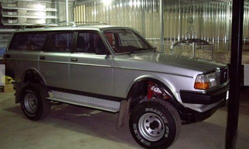 For Sale: 1981 International Scout Traveller V8 with Volvo 245 body