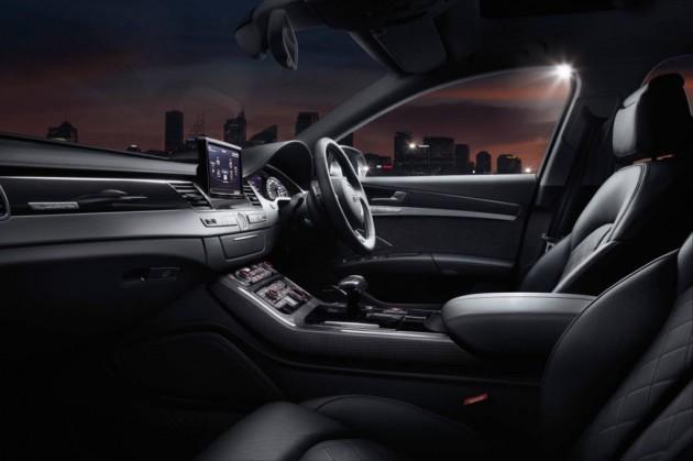 2014 Audi S8 front interior