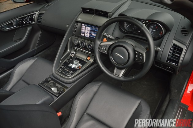 2014 Jaguar F-Type V8 S-interior