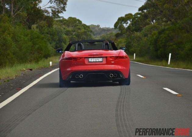 2014 Jaguar F-Type V8 S-take off