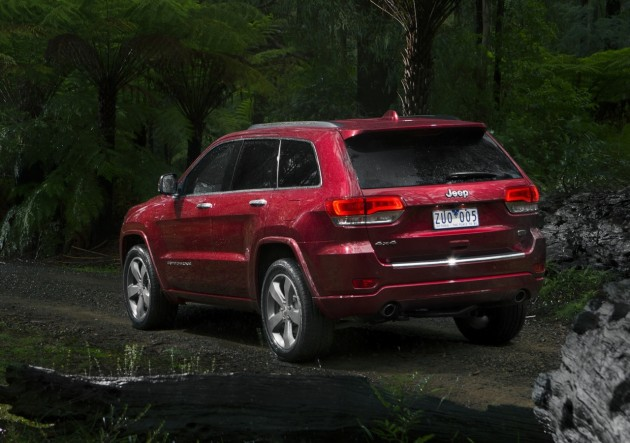 2014 Jeep Grand Cherokee Overland-rear