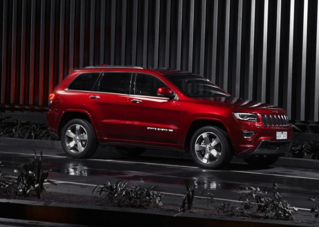 2014 Jeep Grand Cherokee Overland-side