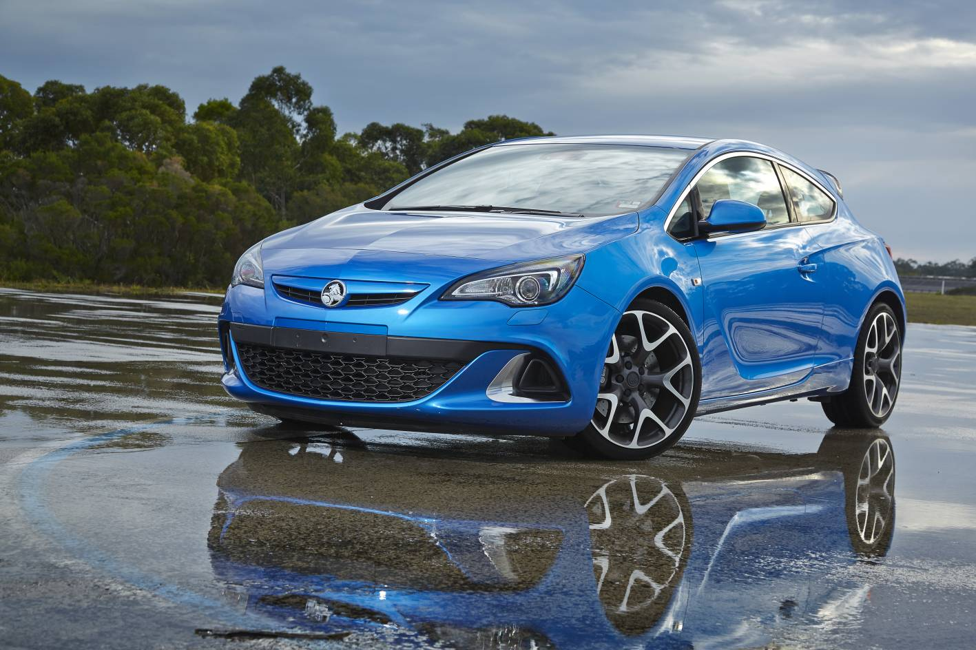 Holden Astra Insignia Amp Cascada Coming In 2015