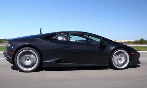 Lamborghini Huracan filmed driving, driver gets mad