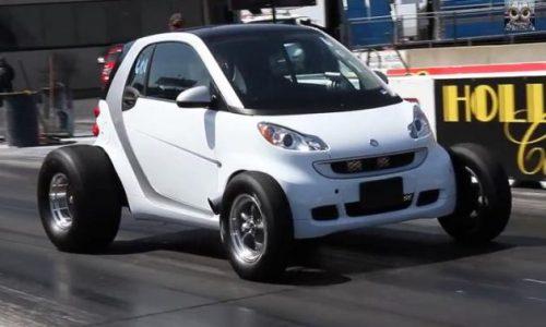 Smart Fortwo V8 drag car looks nuts