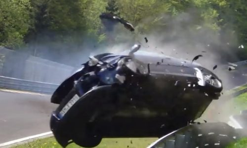 Volkswagen Golf GTI crashes hard at the Nurburgring