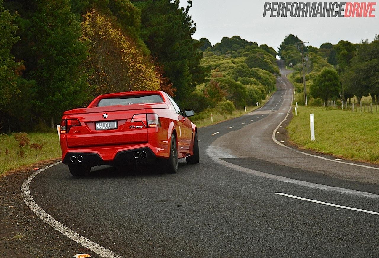 hsv genf maloo r8 sv review video performancedrive