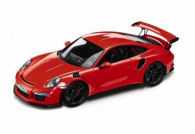 991 Porsche 911 GT3 RS model car maybe