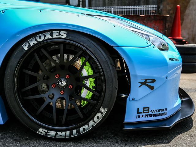Liberty Walk Finishes Anabolic Wide Body Nissan Gt R