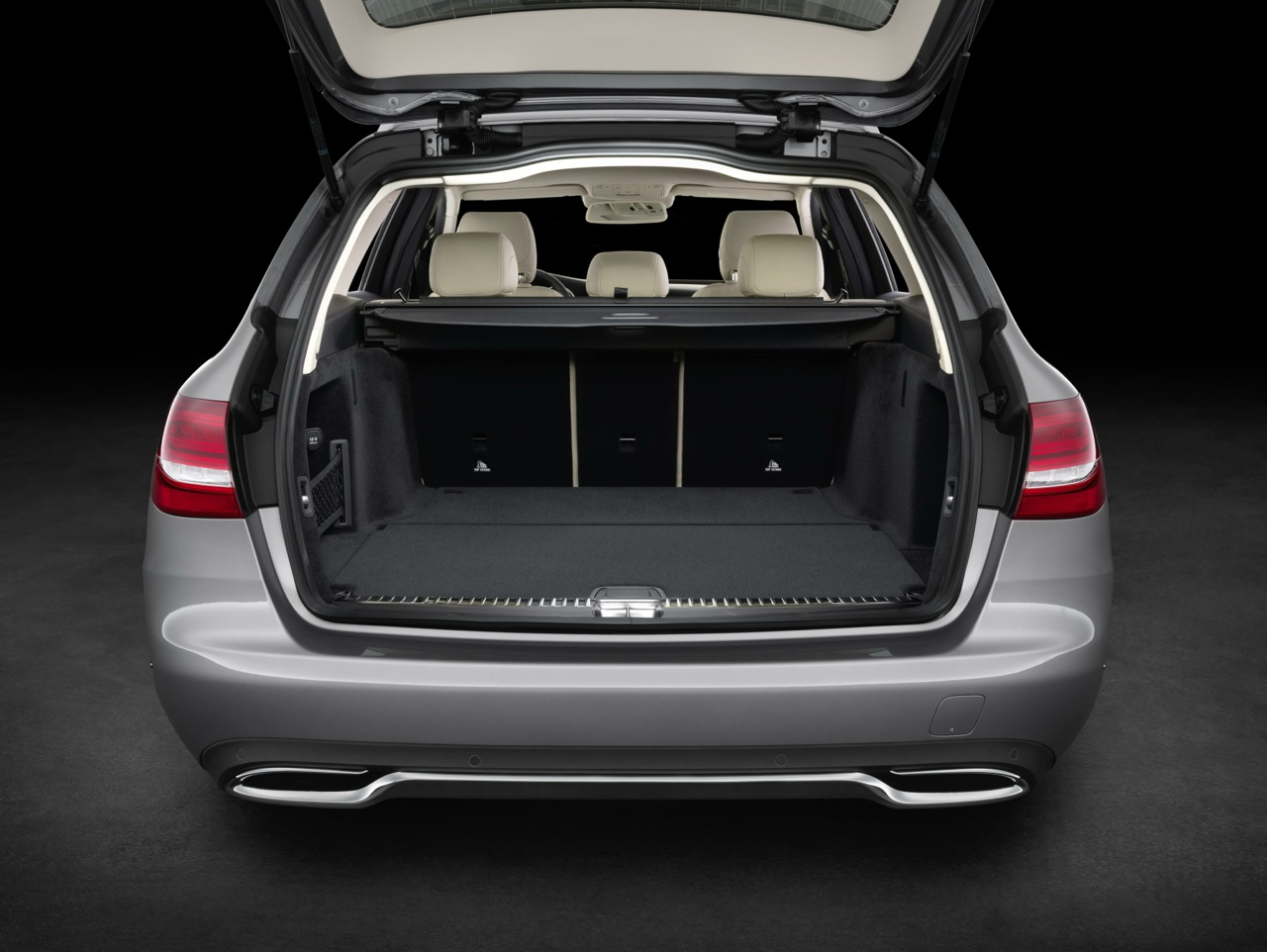 2014 mercedes benz c class on sale from 60 900. Black Bedroom Furniture Sets. Home Design Ideas
