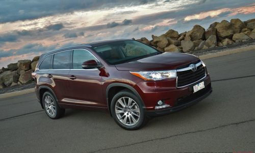 2014 Toyota Kluger Grande review (video)