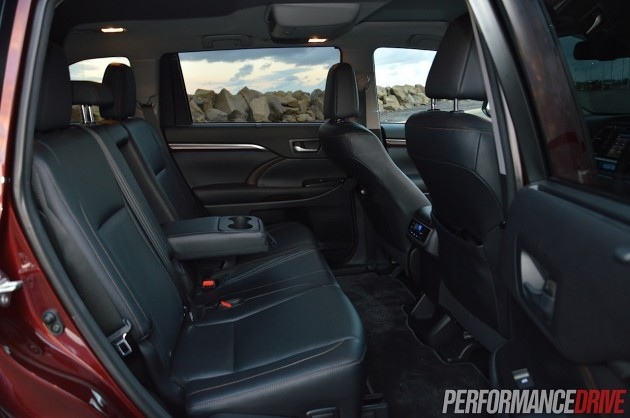 2014 Toyota Kluger Grande-rear seats