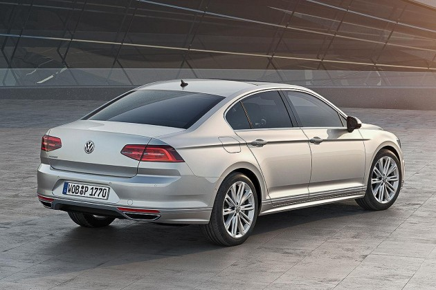 2015 Volkswagen Passat-rear