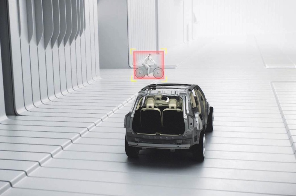 2015 volvo xc90 debuts multiple world-first safety